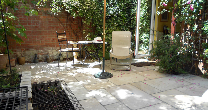 CW Paving Patio Back Garden