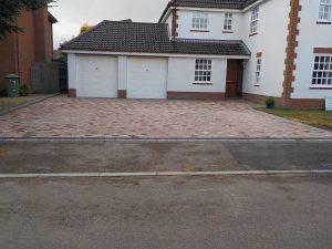 Chelsea Sett Driveway